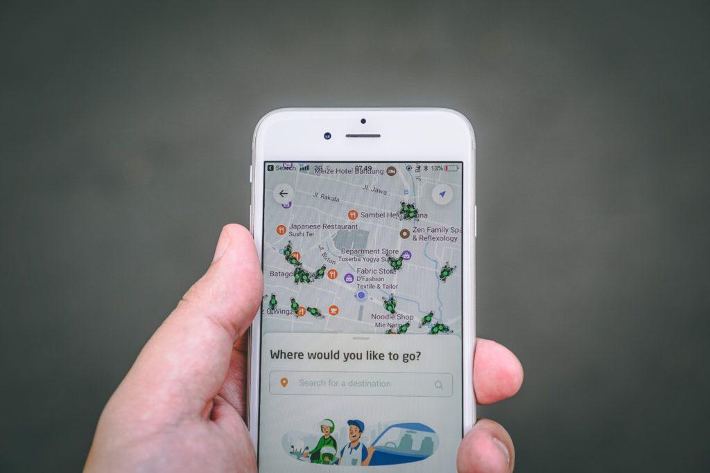 Мобильные приложения помогают решить проблемы, возникающие во время деловых поездок