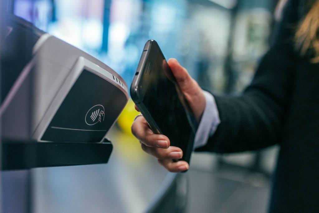 Платежные системы как средство контроля расходов во время деловых поездок