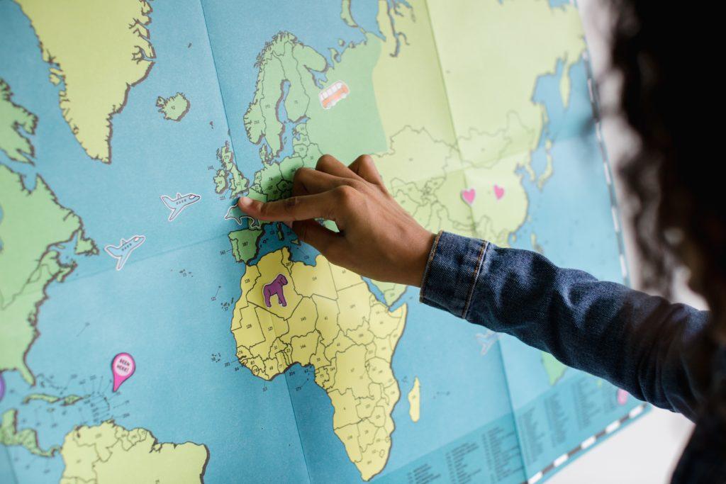 Куда чаще всего украинцы отправляются в деловые поездки?