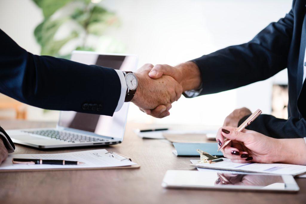 Взаимодействие тревел-менеджеров и специалистов по закупкам. Плюсы и минусы.